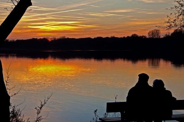 gemeinsam den Sonnenuntergang genießen.