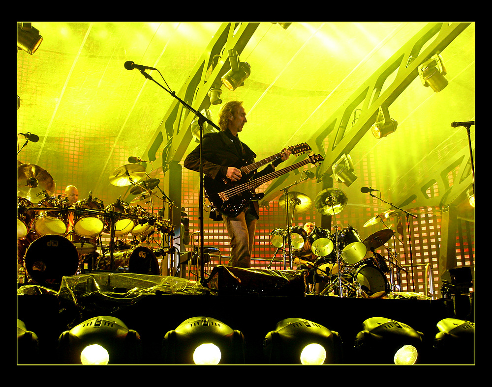 Genesis Turn it on again the Tour