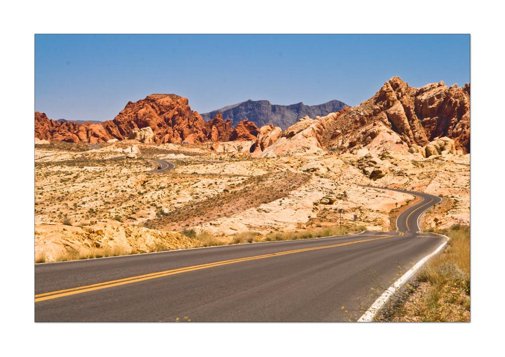 geniale Straßenführung in toller Landschaft
