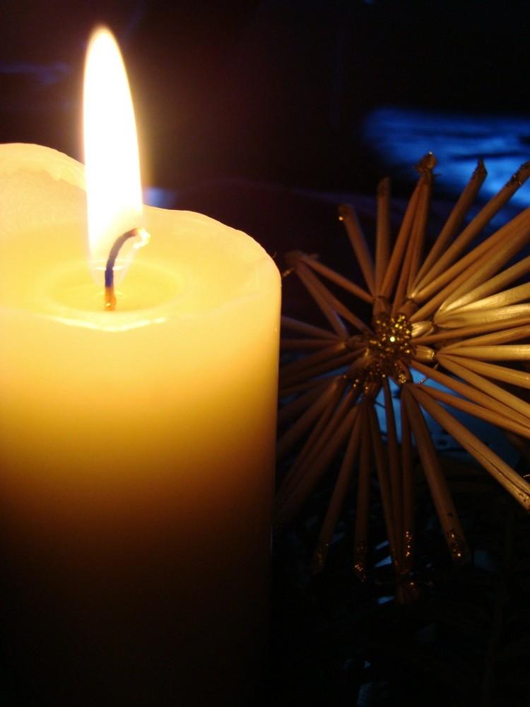 ..genieße das Kerzenlicht noch immer...;-))