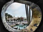 Genova vista da un oblò