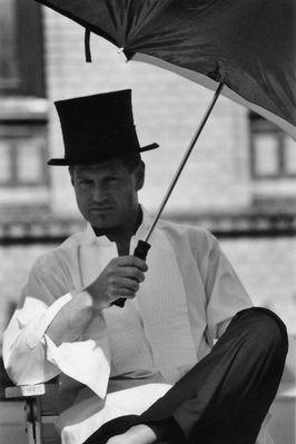 Gentle with umbrella