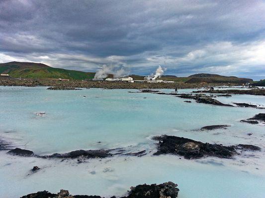 Geothermalkraftwerk und Blaue Lagune