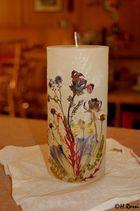 gepresste Blumen auf Kerze Handarbeit 1