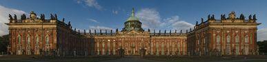 Gerade - das Neue Palais von Heinz Höra