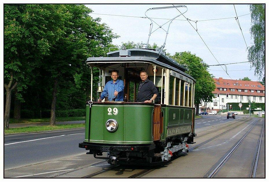 geraer triebwagen zu gast in frankfurt oder foto bild bus nahverkehr historischer. Black Bedroom Furniture Sets. Home Design Ideas