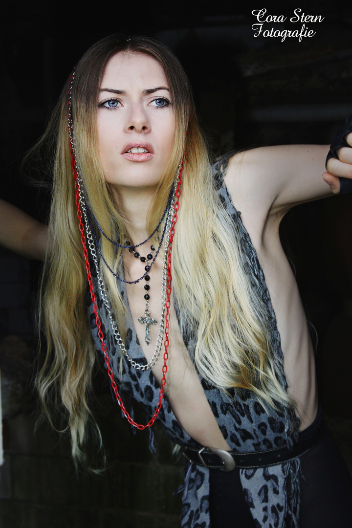 Gerda Alex. Dunkel