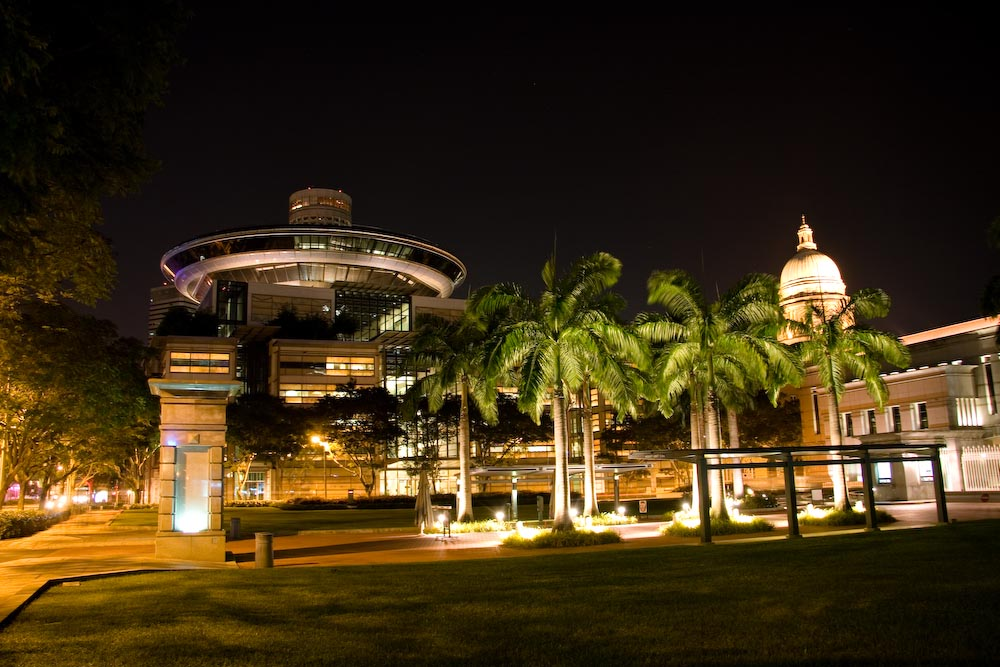 Gerichtsgebäude - Singapore bei Nacht