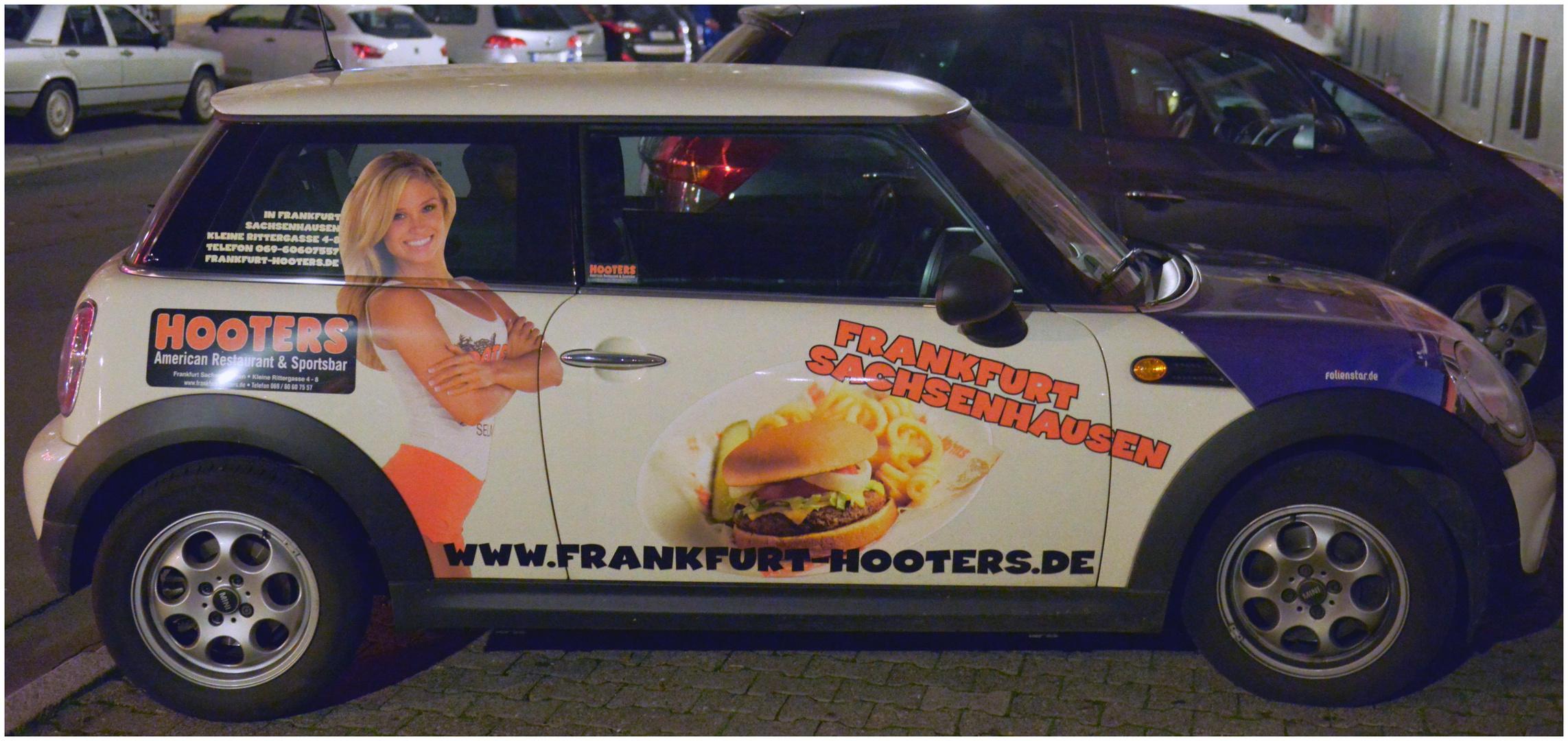 German Hooters Mobil