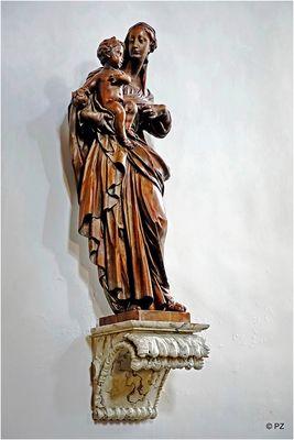 Geschnitzte Madonnenfigur in der Schlosskapelle Dyck …