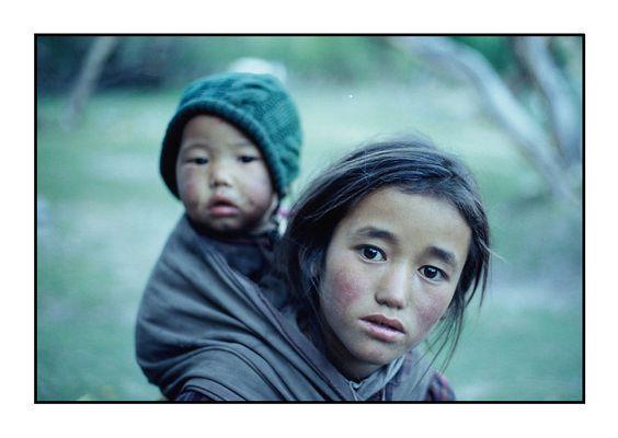 Geschwister aus dem Markha Valley, Ladakh, Indischer Himalaya