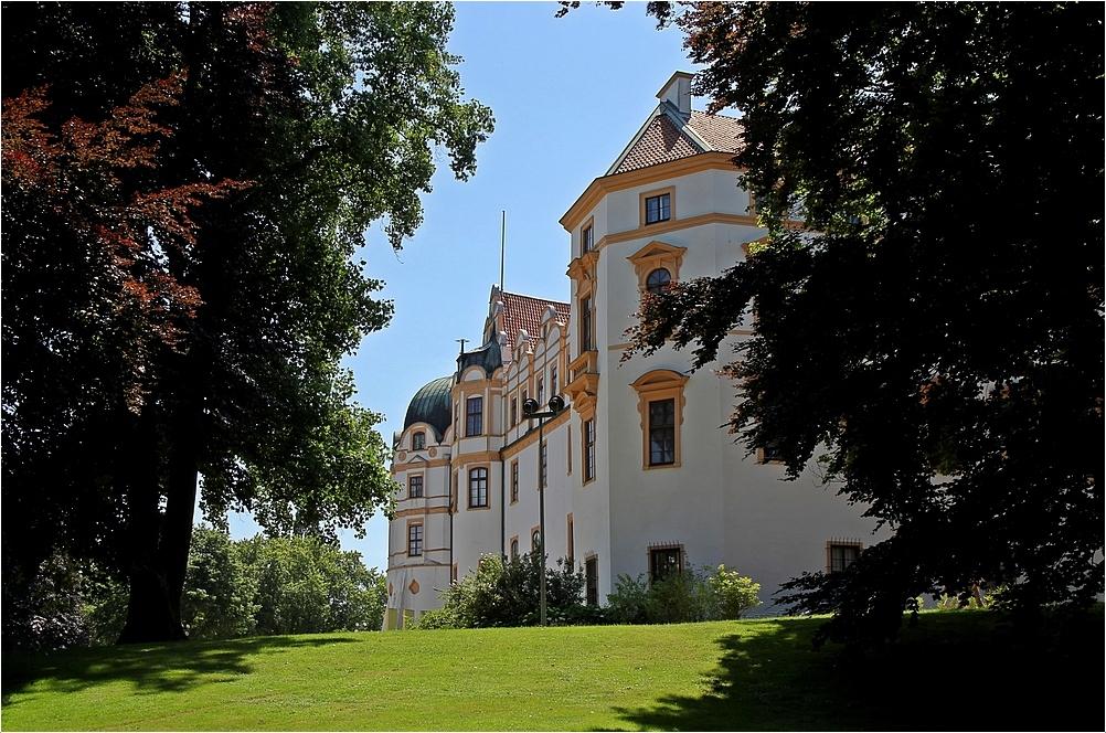 Gesehen aus nördl. Richtung - Schloss