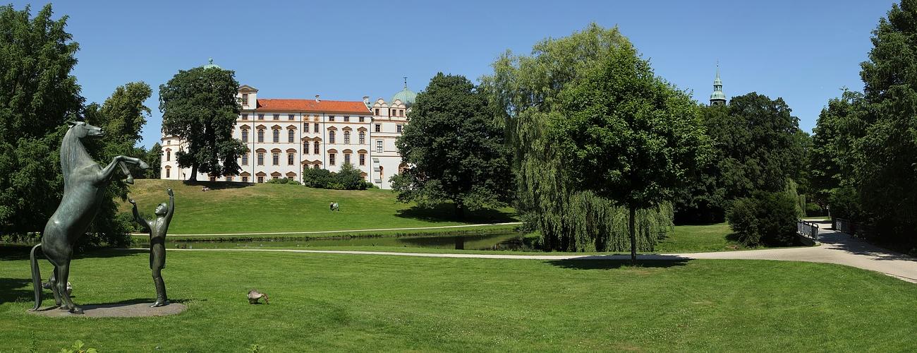 Gesehen aus südl. Richtung - Schlosspark