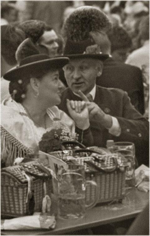 Gesprächsmitschnitt im Festzelt anno 1951