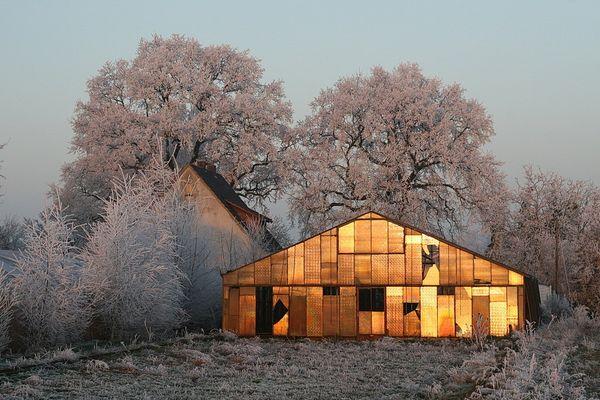 Gewächshaus bei Sonnenuntergang