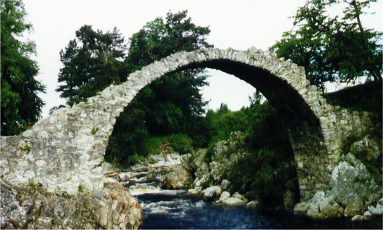 gewagte Brückenkonstruktion