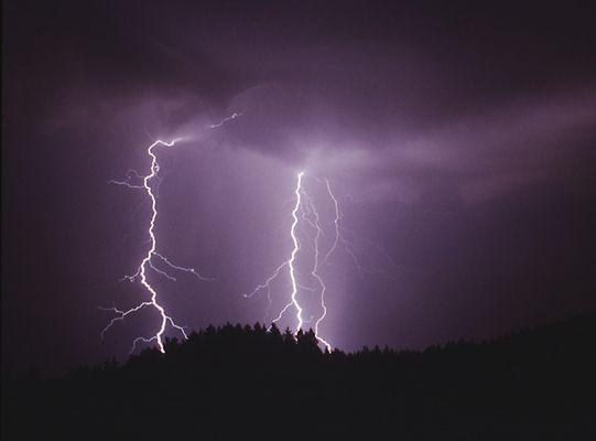 Gewitter bei Nacht