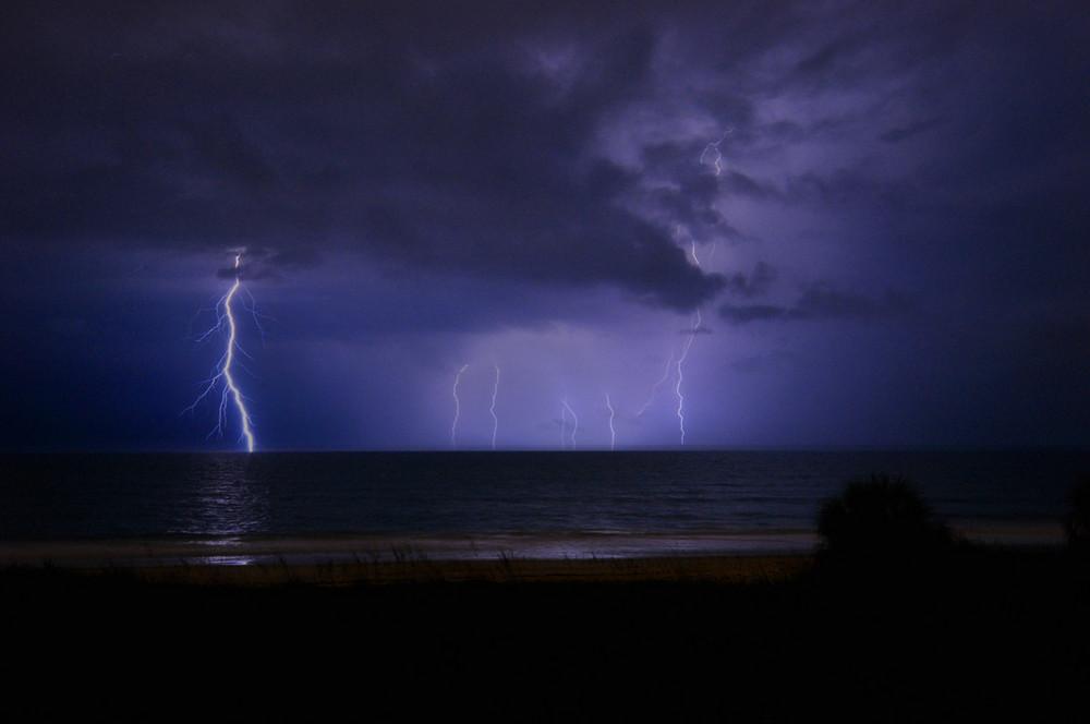 Gewitter in Florida Atlantikküste
