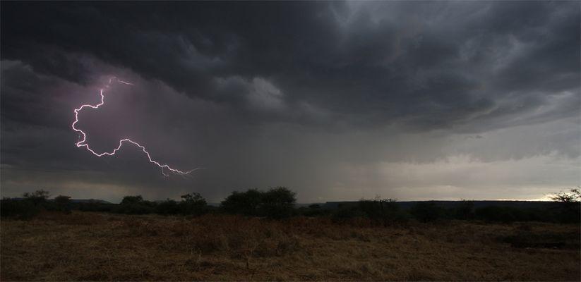 Gewitter in Namibia (bearbeitet)