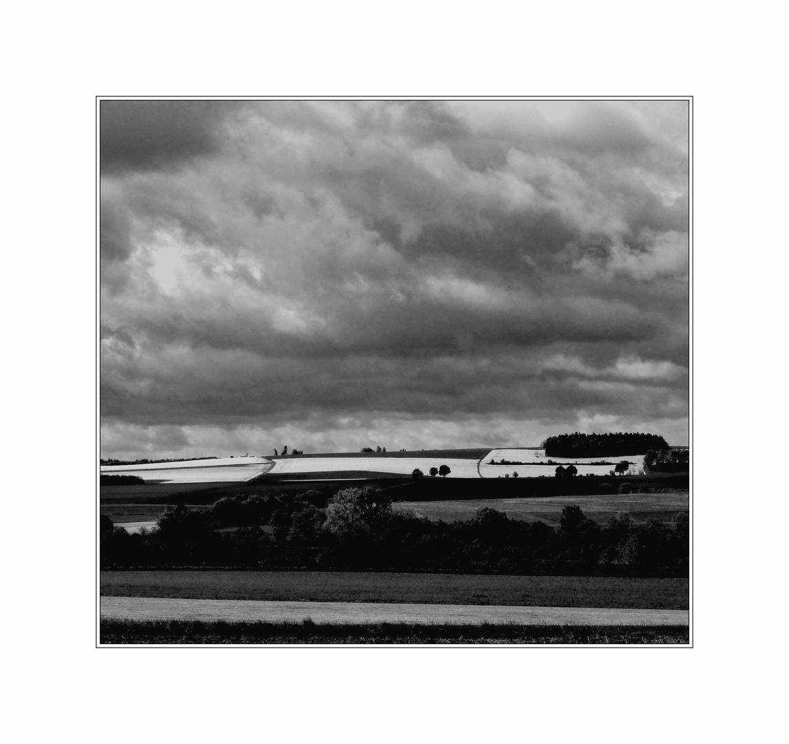Gewitter mit weißen Feldern
