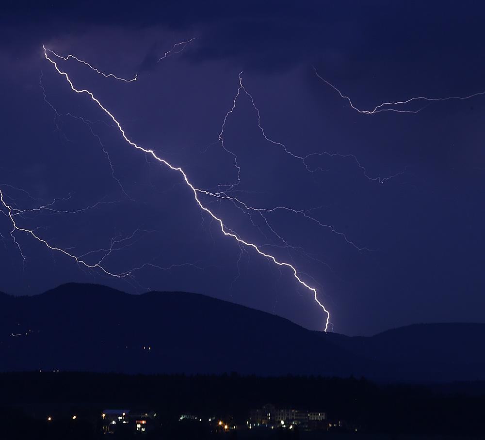 Gewitter über dem Solothurner Jura