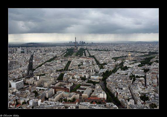 Gewitter über Paris