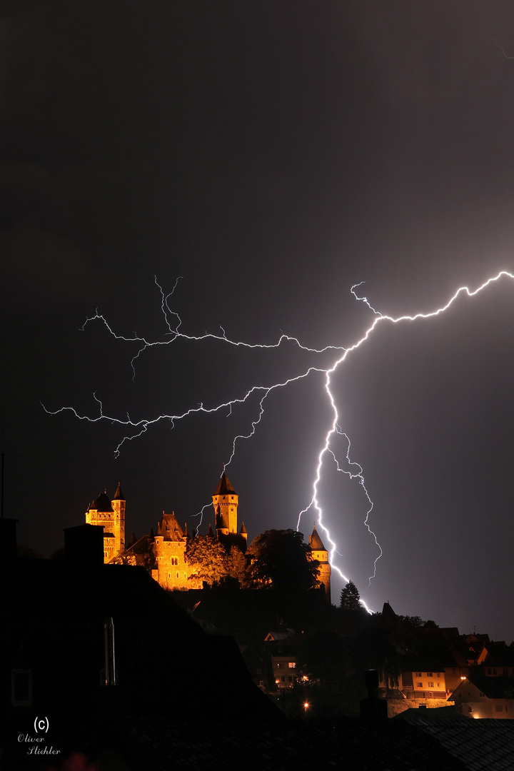 Gewitter über Schloss Braunfels