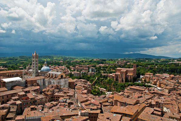 Gewitter über Siena