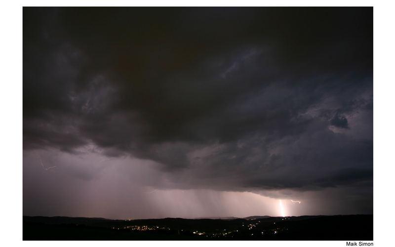//>Gewitter über Wiehl