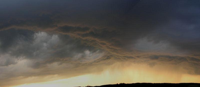 Gewitterhimmel mit Wolkengabel