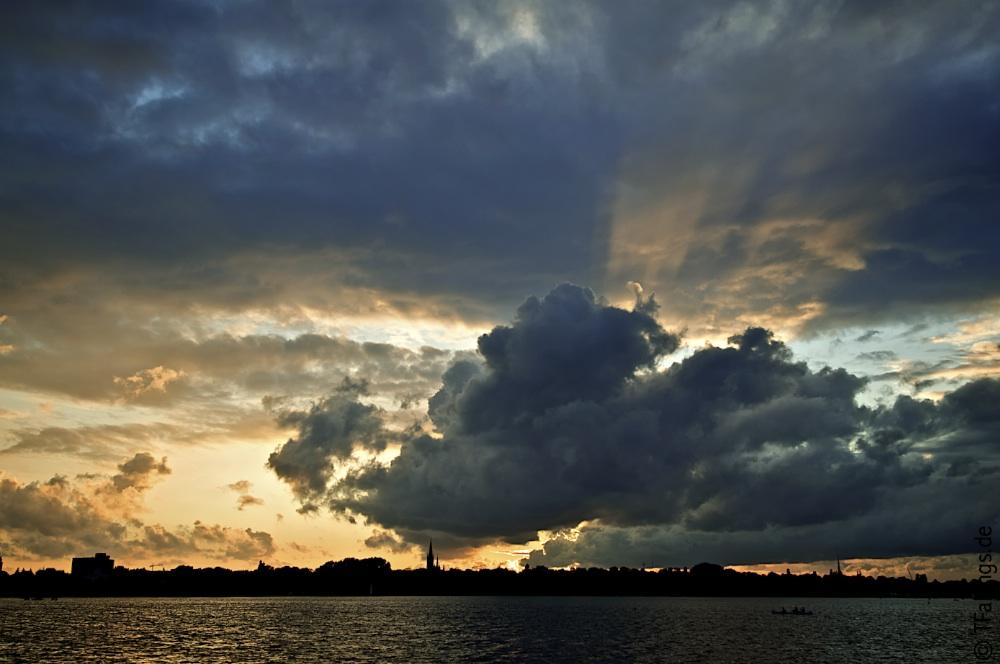 Gewitterhimmel über Hamburg