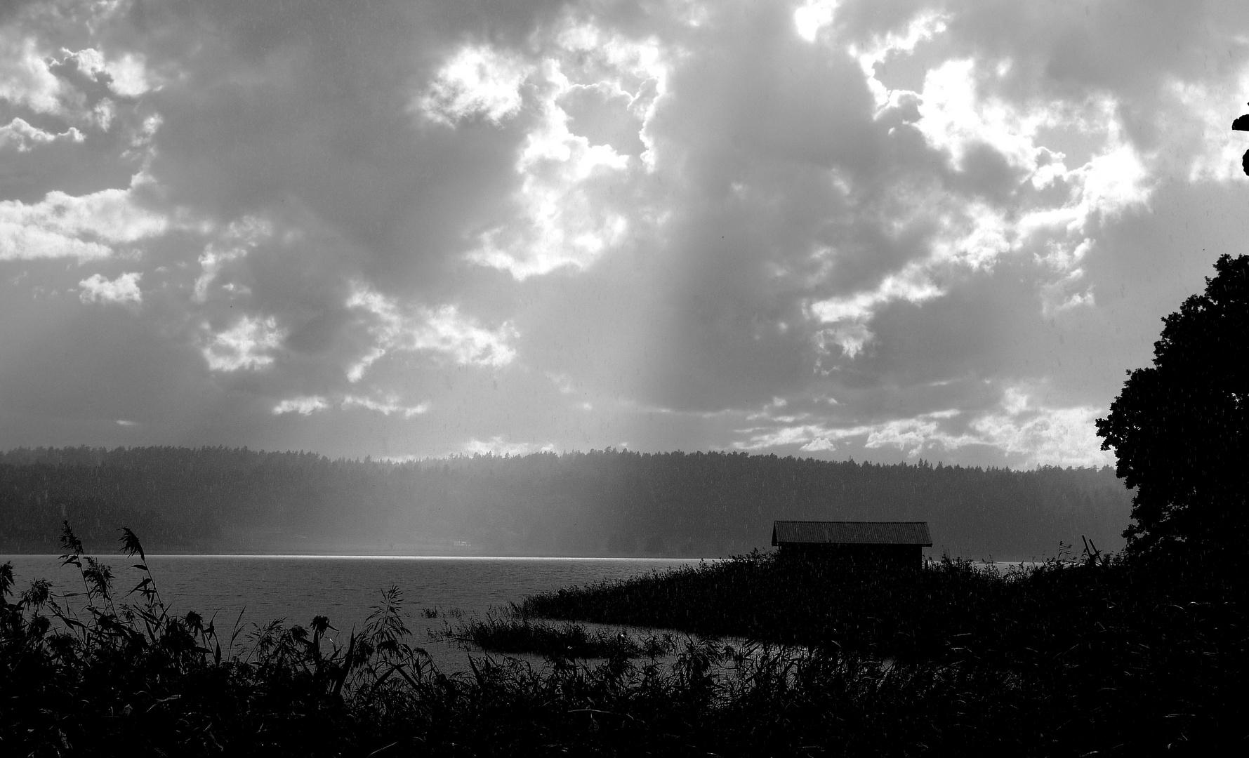 Gewitterstimmung am Fjord
