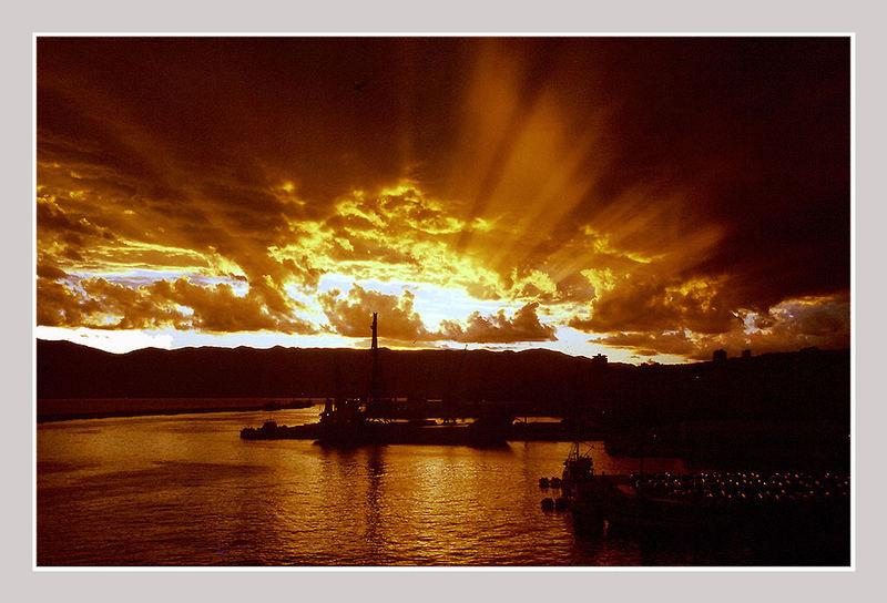 Gewitterstimmung im Hafen von Rijeka