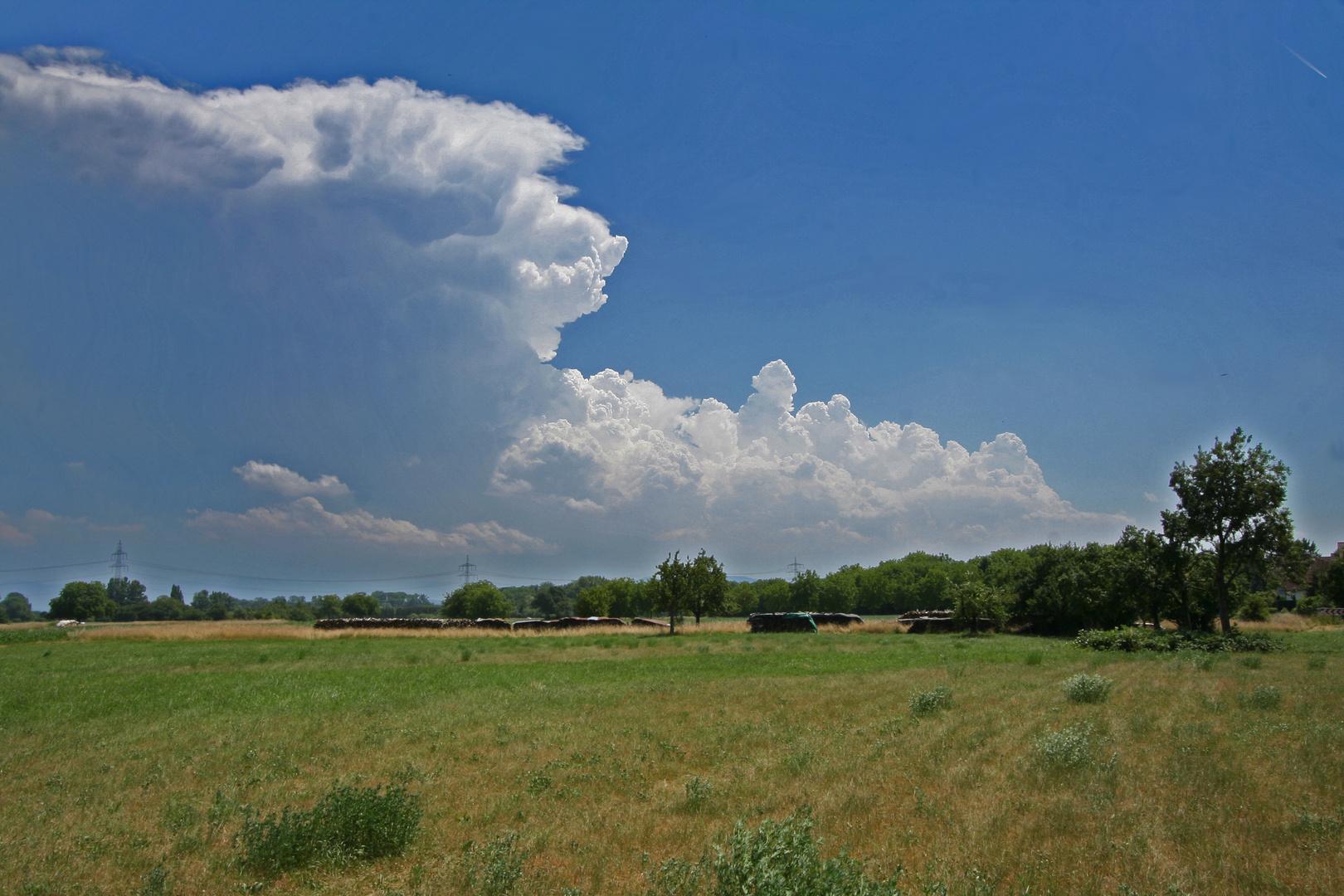Gewitterwolken über Rastatt