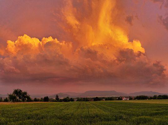 Gewitterwolken über Weilheim Teck