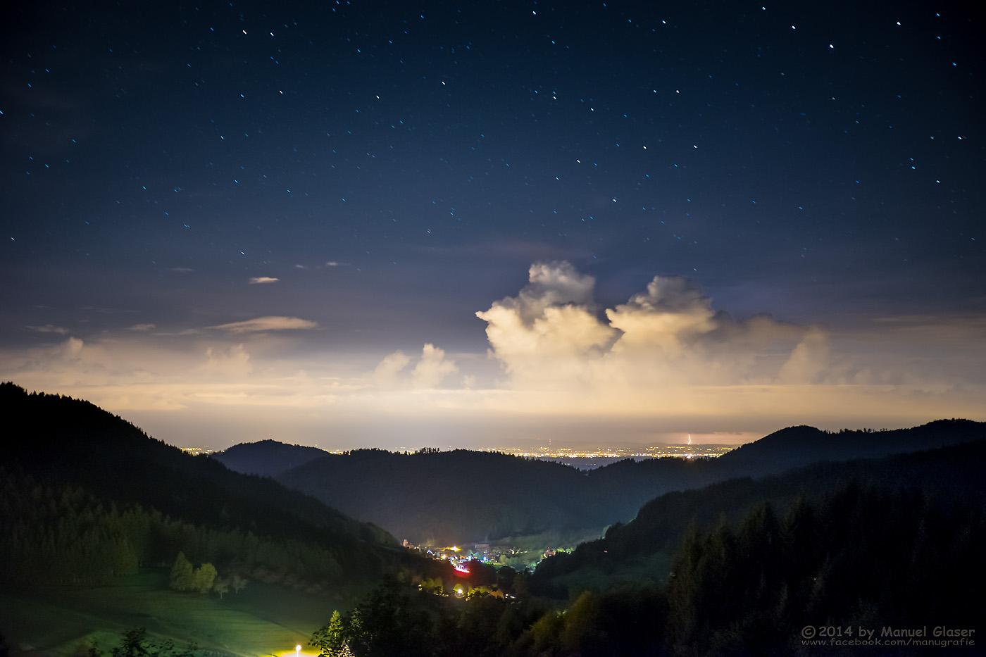 Gewitterwolken unter'm Sternenhimmel