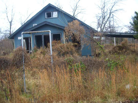 Ghost Town, Blue House a