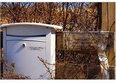 Gibt Adressen da erreicht man keinen... obwohl da ein Briefkasten ist...