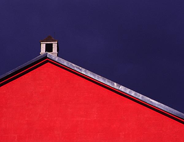 Giebel rot-blau