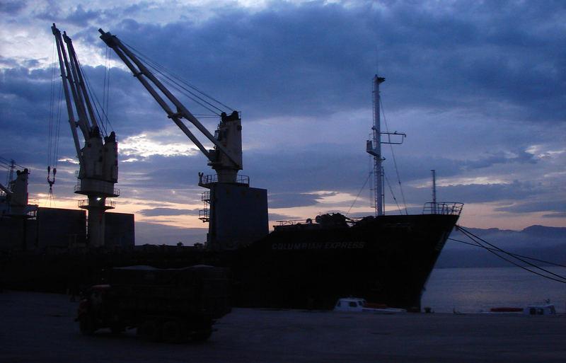 Gigante no porto