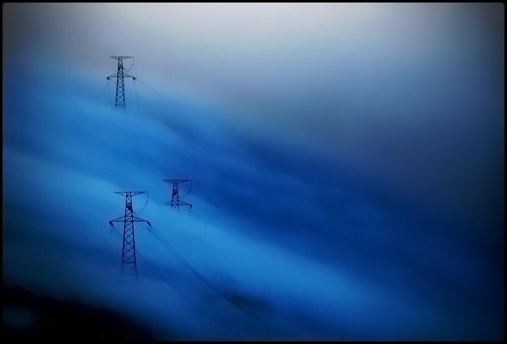 Gigantes en la niebla