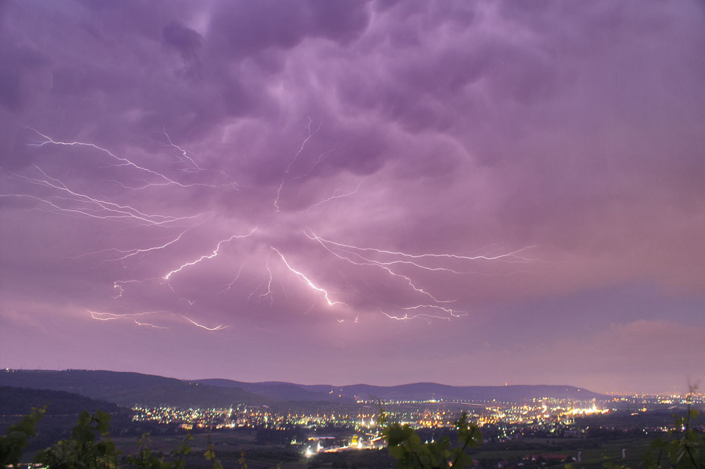 Gigantischer Blitz