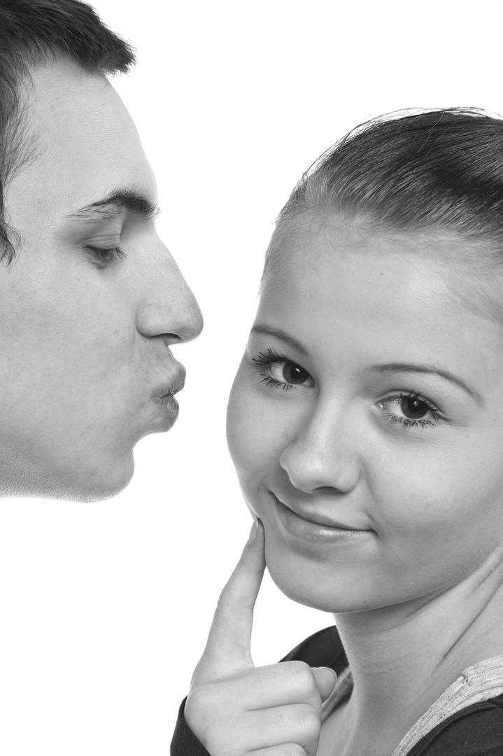 gimme a little kiss