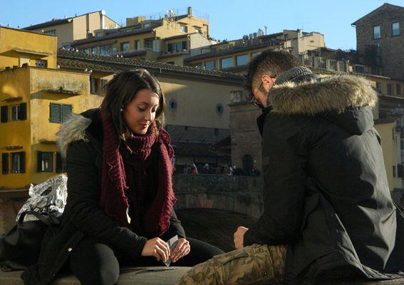 Giocando a carte sull' Arno