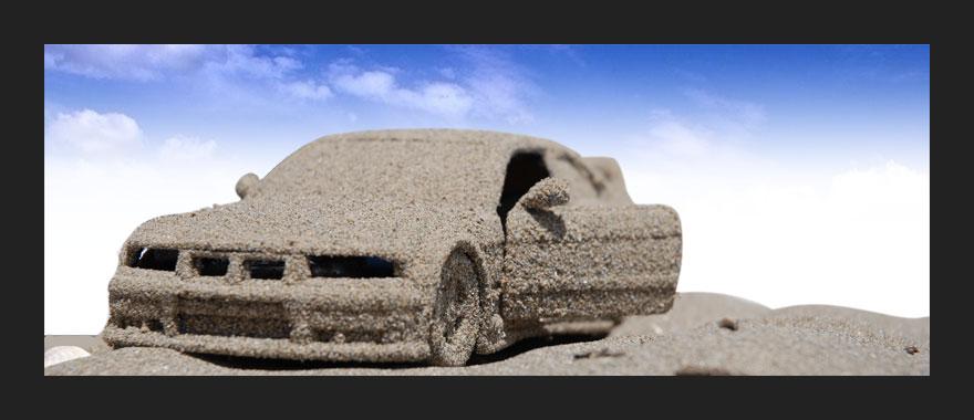 giocando con la sabbia