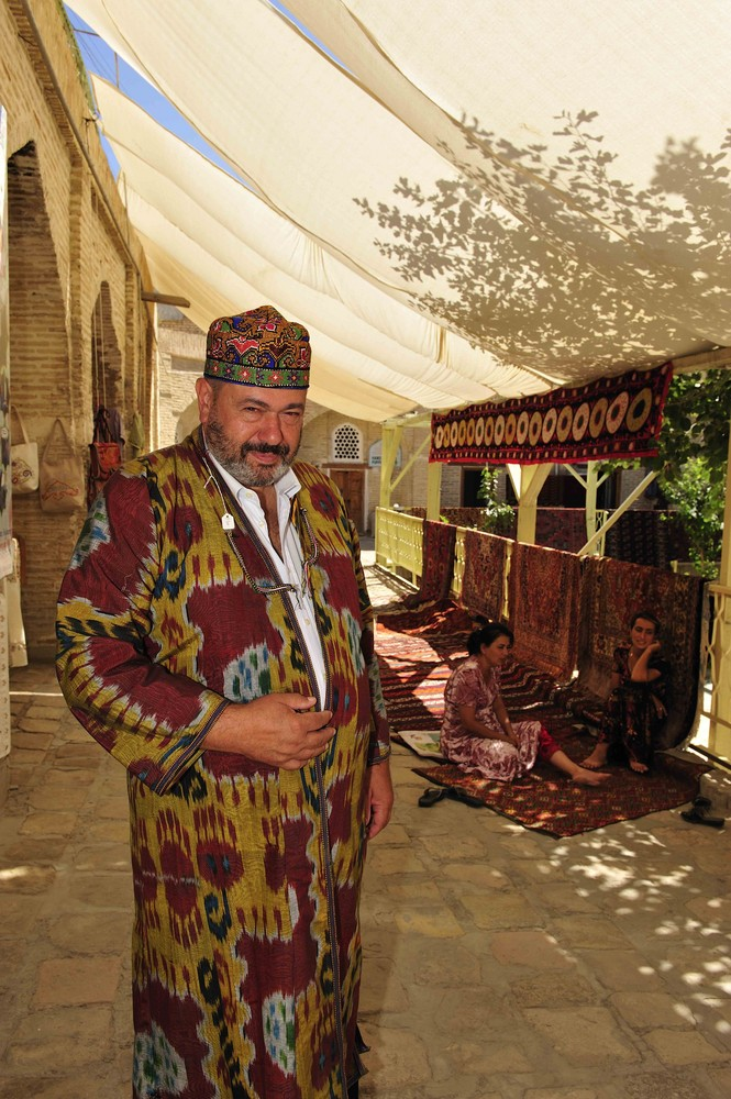 Giovanni im Dress eines Chans in Bukhara