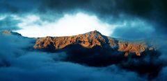 Gipfel in den Wolken