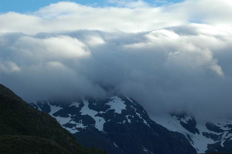 Gipfel in Wolken
