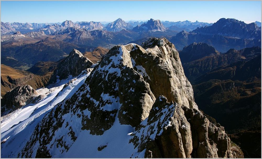 Gipfelaussicht von der Königin der Dolomiten - die Marmolada (di Penia) !