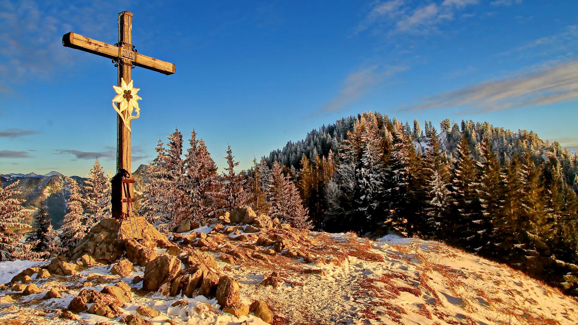 Gipfelkreuz auf dem Heuberg im Chiemgau